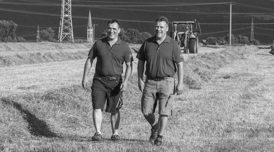 Andreas und Martin Keller auf dem Feld
